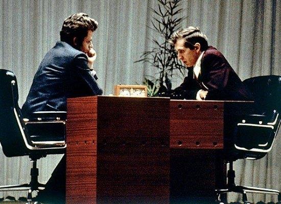 Cap. 13: Spassky-Fischer (1972) «El duelo del siglo» + las voces de los alumnos de la Escuela Municipal de Rincón de la Victoria