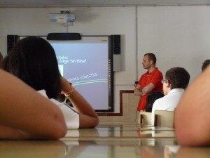 Ernesto Fdez. durante su intervención con los alumnos