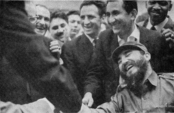Castro riendo