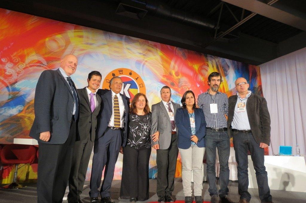 Equipo de ponentes coordinados por Leontxo García