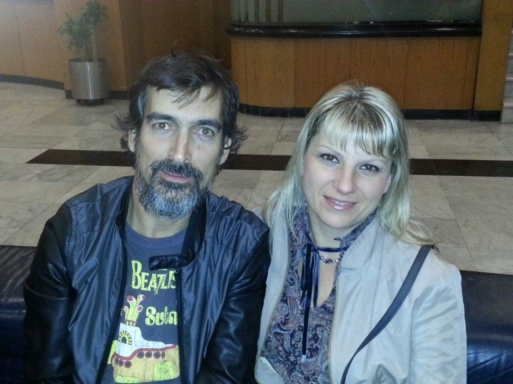 Manuel Azuaga con Olga Alexandrova en la recepción del hotel