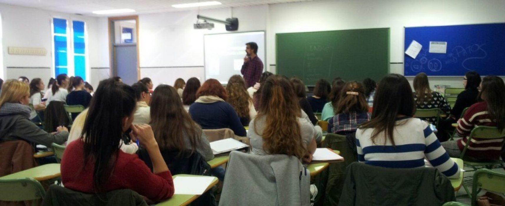 Ponencia sobre ajedrez en la Facultad de Educación de la Universidad de Málaga
