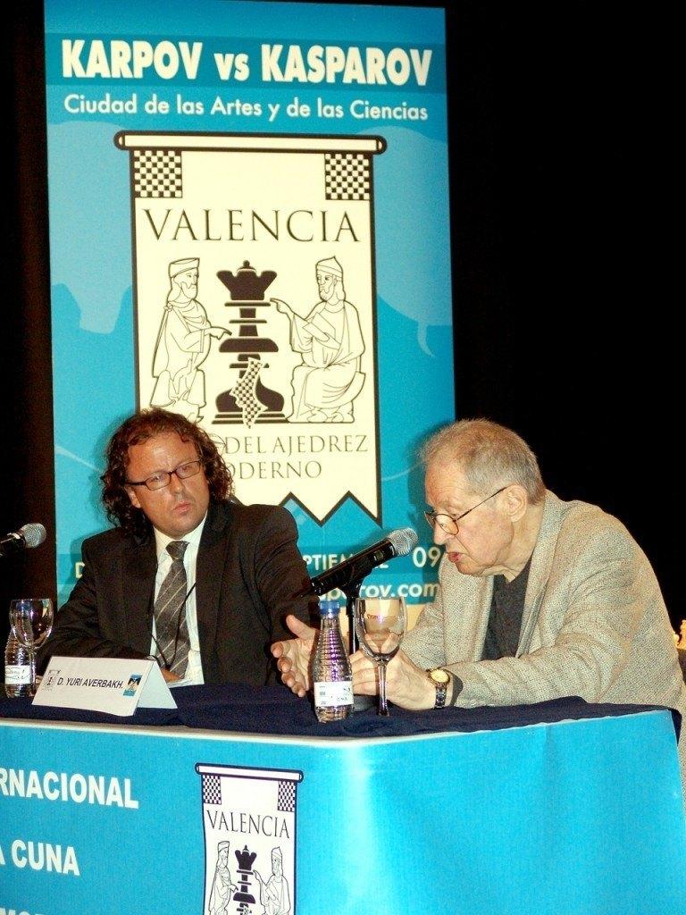Garzón junto al prestigioso historiador de ajedrez, Yuri Averbakh