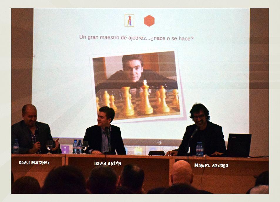 """David Martínez """"Divis"""", David Antón y Manuel Azuaga durante la mesa redonda."""