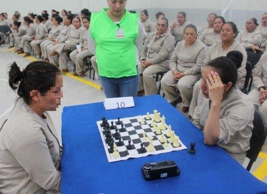 Ajedrez en una cárcel de mujeres