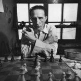 """Manuel Segade, historiador del arte: """"Por un tiempo, Marcel Duchamp solo comía, dormía y jugaba al ajedrez"""""""
