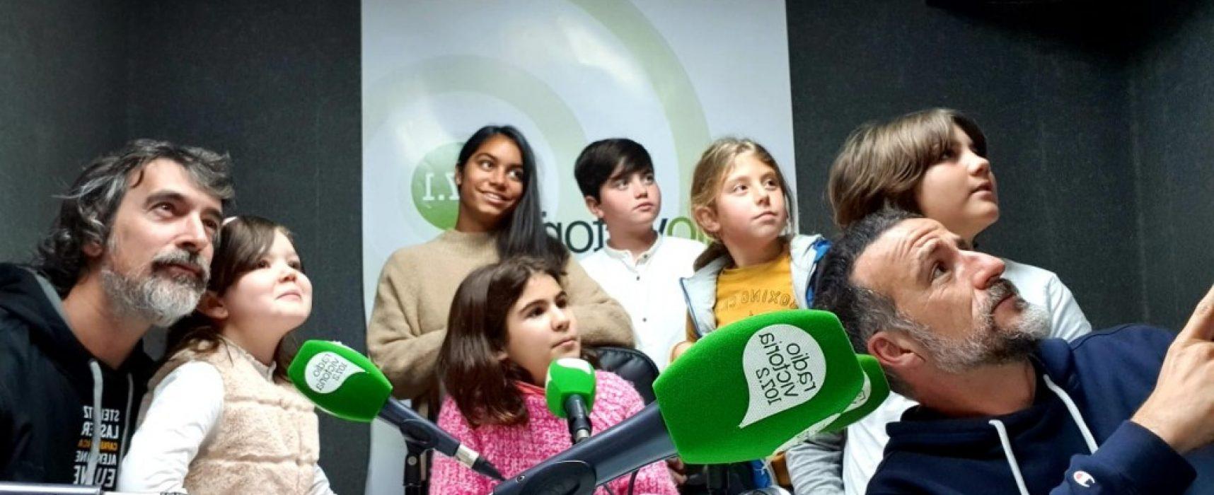 Grandes maestros/as del tablero en el colegio Platero Green School (Málaga)