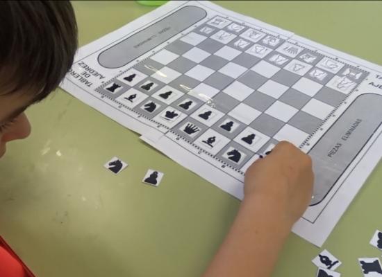 María Oriola, maestra de pedagogía terapéutica: «A pesar del COVID, se puede seguir trabajando el ajedrez en las aulas»
